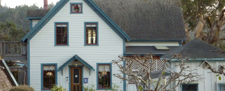 View of Alegria Inn exterior from Main Street