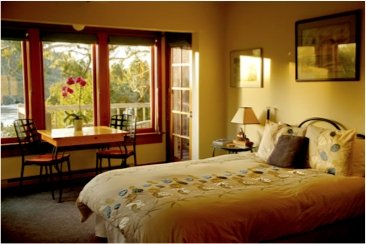 Alegria Inn guest room